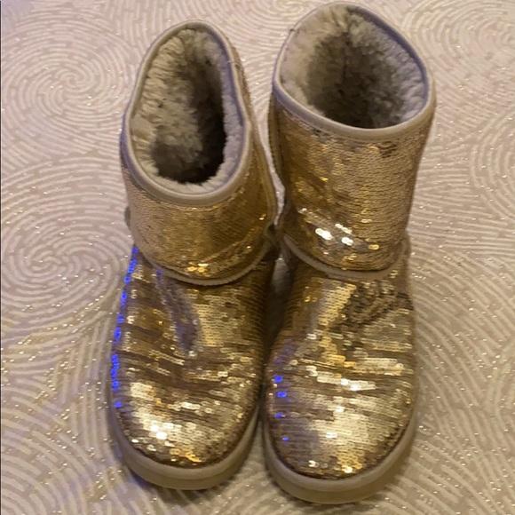 UGG Gold Glitter Sparkle Boots!